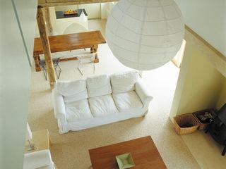 Quaker Barns Hudson Architects Classic style living room