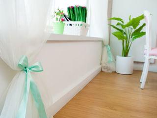 Ângela Pinheiro Home Design Ruang Studi/Kantor Klasik Kayu Pink
