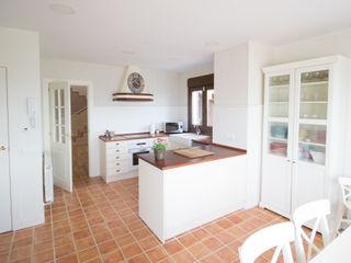 Casa Clásica en Segovia Canexel Cocinas de estilo clásico