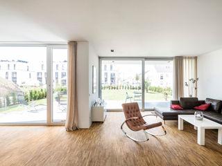 Corneille Uedingslohmann Architekten Ruang Keluarga Modern