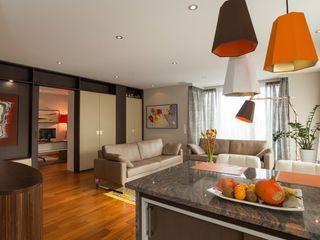 Home Office Elke Altenberger Interior Design & Consulting WohnzimmerSofas und Sessel