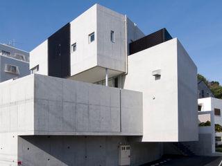 F House and Studio 有限会社クリエデザイン/CRÉER DESIGN Ltd. モダンな 家
