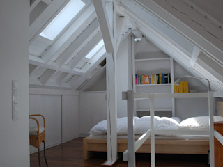 Haus MK, Nähe Frankfurt SIMONE JÜSCHKE INNEN ARCHITEKTUR Moderne Schlafzimmer