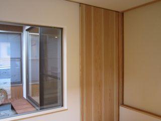 M-House 有限会社クリエデザイン/CRÉER DESIGN Ltd. モダンスタイルの 玄関&廊下&階段