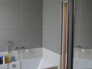 COCON VINTAGE Agence Laurent Cayron Salle de bain moderne
