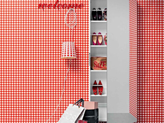 'Welcome' Contemporary hallway shoe storage with mirror by Birex homify Koridor, Hol & MerdivenlerDepo