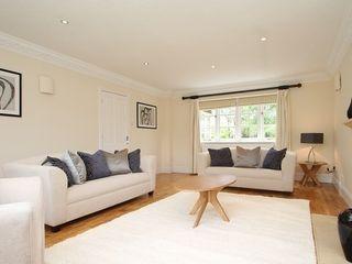 Furniture Hire Cheshire Heatons Home Styling 客廳沙發與扶手椅