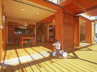 風建築工房 Scandinavian style balcony, porch & terrace