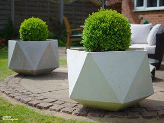 Femkant Concrete Planter Adam Christopher Design JardínJarrones y macetas Concreto Blanco