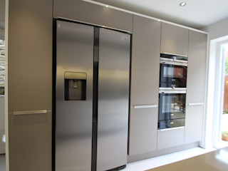 Making the most of the space! AD3 Design Limited Modern Mutfak