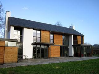 Llambetta House, Usk Hall + Bednarczyk Architects Modern houses
