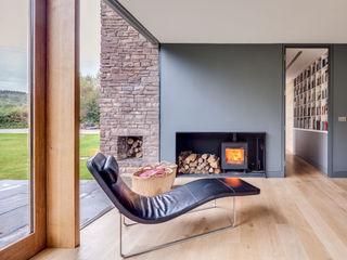 The Nook Hall + Bednarczyk Architects Salas de estilo moderno