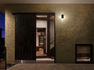 八潮の家 TAMAI ATELIER クラシカルな 窓&ドア