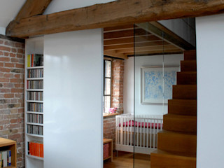 The Wine Warehouse, Chepstow Hall + Bednarczyk Architects Sliding doors
