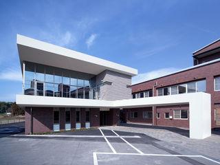 ISDアーキテクト一級建築士事務所 Modern clinics