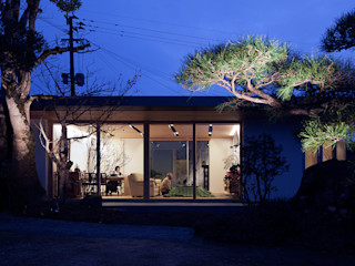ISDアーキテクト一級建築士事務所 Modern houses Glass White