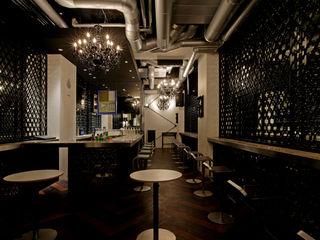 ISDアーキテクト一級建築士事務所 Modern bars & clubs