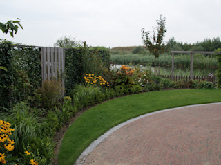 Landelijke tuin in Alphen aan den Rijn Ontwerpstudio Angela's Tuinen Landelijke tuinen