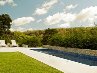 Loro Arquitetura e Paisagismo Jardines de estilo minimalista