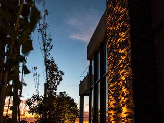 Loro Arquitetura e Paisagismo Jardines de estilo moderno