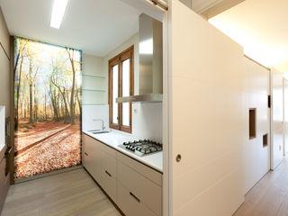 4+1 arquitectes Modern Kitchen