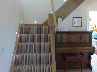 oak staircase Style Within راهرو مدرن، راهرو و راه پله