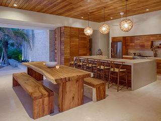 Casa Xixim Specht Architects Tropical style dining room