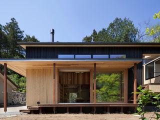 HAN環境・建築設計事務所 Modern houses Wood Black