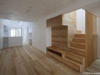 (株)ハウスインフォ Livings de estilo moderno