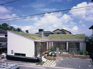 小栗建築設計室 Rustic style house Stone White