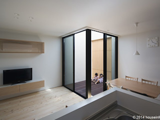 (株)ハウスインフォ Balcones y terrazas modernos