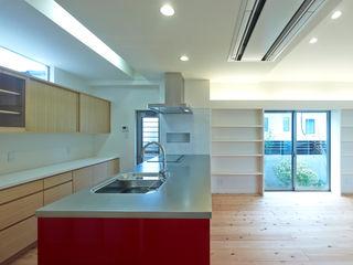 鶴巻デザイン室 Nhà bếp phong cách hiện đại