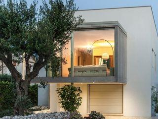 Casa TH Studio Architettura Scattola Associati Balcone, Veranda & Terrazza in stile moderno