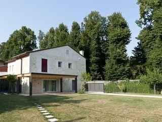 Casa B_Ca'_Dolfin Studio Architettura Scattola Associati Case in stile rustico