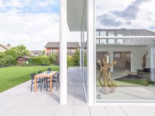 Bauhaus-Villa westlich von Köln Immotionelles Moderne Häuser
