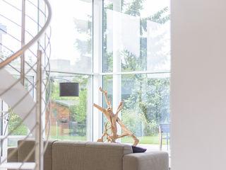 Bauhaus-Villa westlich von Köln Immotionelles Moderner Wintergarten