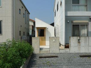 市原忍建築設計事務所 / Shinobu Ichihara Architects Modern garage/shed