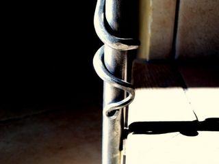 Forge Art by A.T.R Pasillos, vestíbulos y escaleras de estilo moderno
