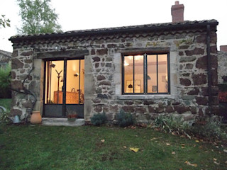Door, windows fireplace and hardware Forge Art by A.T.R Puertas y ventanas de estilo industrial