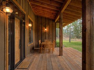 Lucky 4 Ranch Uptic Studios Casas rústicas