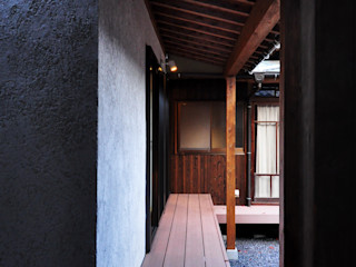 株式会社アトリエカレラ Балкон и терраса в классическом стиле