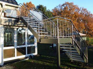 Metallbau Sandmeier Jardines de estilo moderno