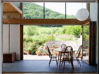 Un Y Berllan CRSH Architecture and Energy Varandas, alpendres e terraços modernos