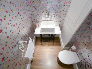 The Broadway, SW19 - Extension & Bathroom Renovation Grand Design London Ltd Klassieke badkamers