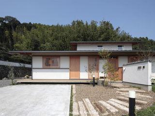 山道勉建築 Rumah Gaya Asia Kayu White