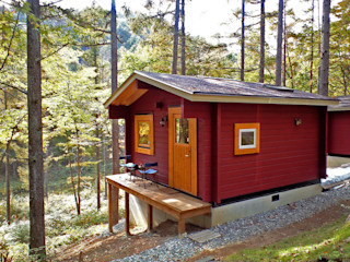 Bird House Lodge in Woods, Japan Cottage Style / コテージスタイル Country style house Wood Red