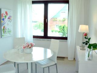 Home Staging eines geerbten Einfamilienhauses MK ImmoPromotion Moderne Esszimmer