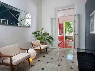 Taller Estilo Arquitectura Коридор, прихожая и лестница в модерн стиле