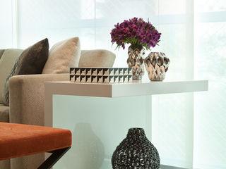 Liliana Zenaro Interiores Livings modernos: Ideas, imágenes y decoración Madera Blanco