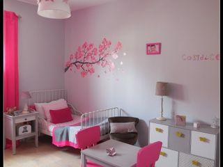Chambre d'enfant fushia et grise Scènes d'Intérieur Chambre d'enfant classique
